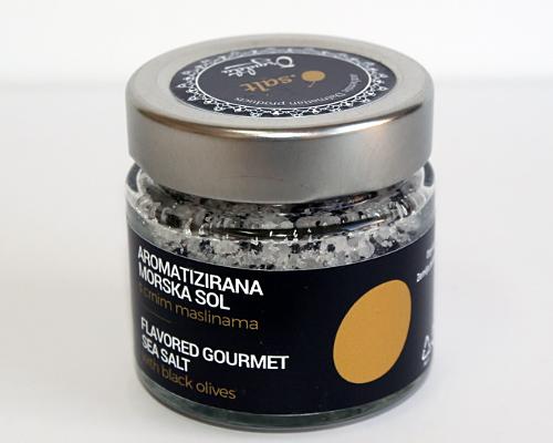 Sól morska z czarnymi oliwkami