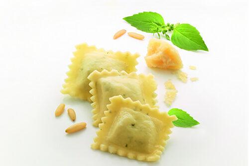 Pierożki włoskie Ravioli Pesto